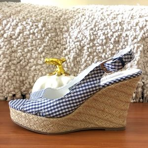Blue and White checkered wedges NWT